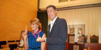 Recepció Mireia amb alcalde.JPG