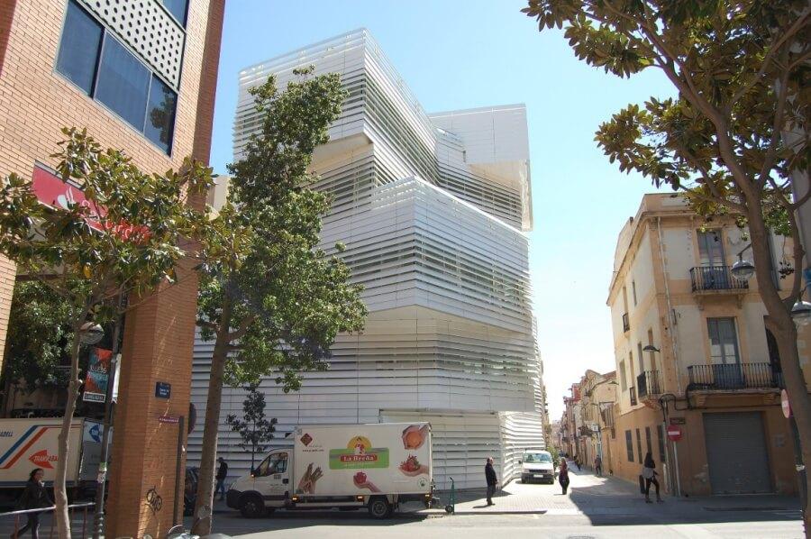 Edifici El Carme - façana.JPG
