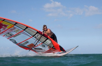 slalom-windsurf-board-21399-3027923.jpg