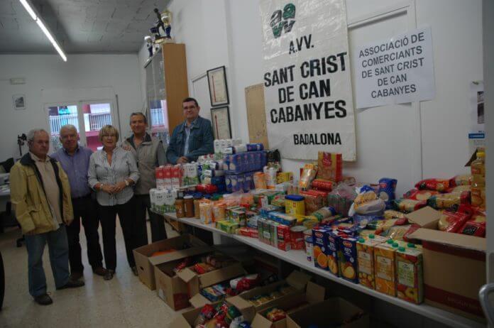 recollida d'aliments sant crist.JPG
