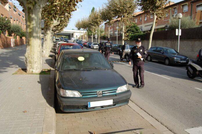 Av. Martí Pujol-vehicles.jpg