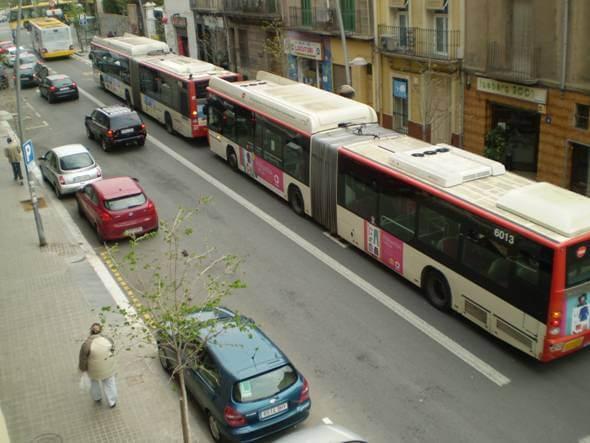 Para d'autobusos metro.jpg