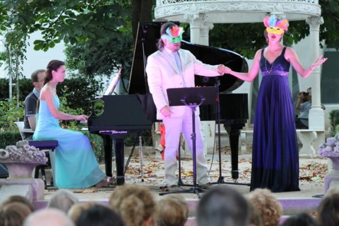 Mozart entre flors. Duo Papageno-Papagena.jpg