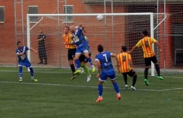 Lliga2014_2015_Bdn_SantAndreu03.jpg