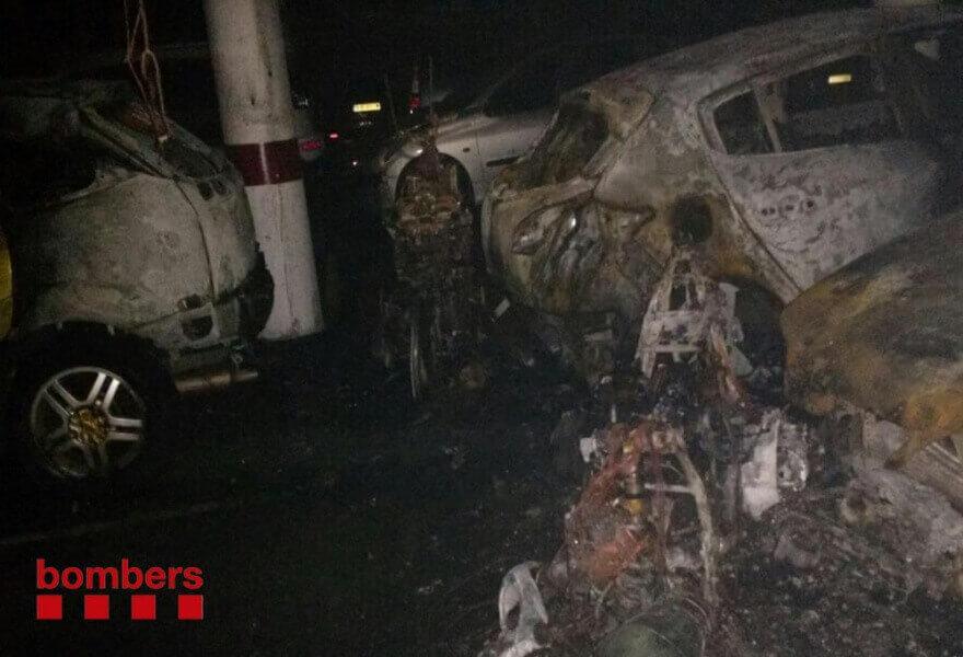 coches quemados.jpg