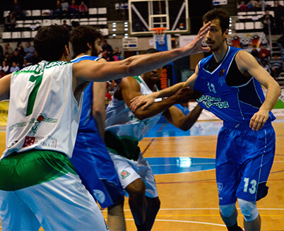 club-basquet-prat-guanya-a-pista-del-amics-castello.jpg