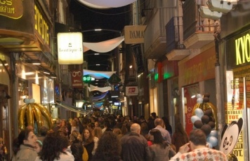 badalona shopping night.jpg