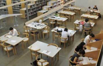 Estudiants Biblioteca.jpg